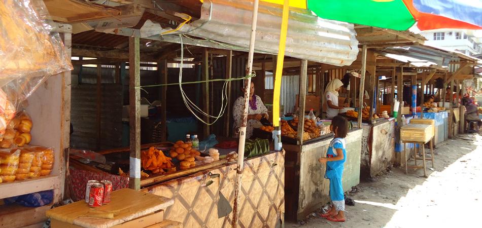 Staytravelling Borneo Semporna Street Life