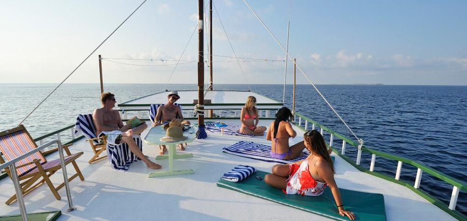 Staytravelling Gahaa Maldives Cruise
