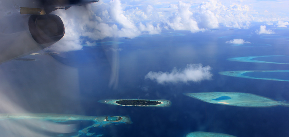 Staytravelling Maldives Flying