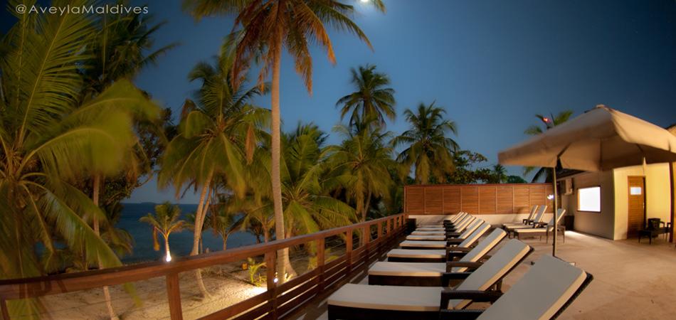 Staytravelling Malediven Aveyla Sonnenterrasse