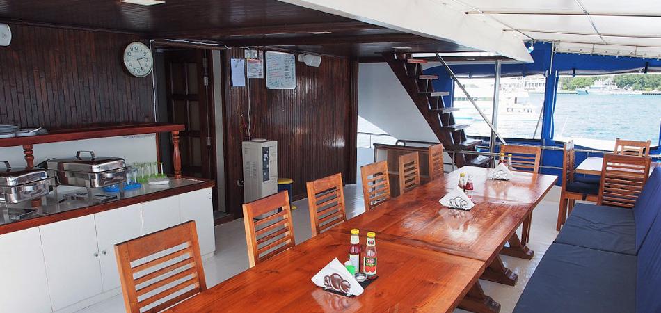 StaytravellingTauchsafari Malediven Emperor Voyager Nord Safari