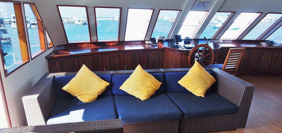 StaytravellingTauchsafari Malediven Emperor Voyager Nord