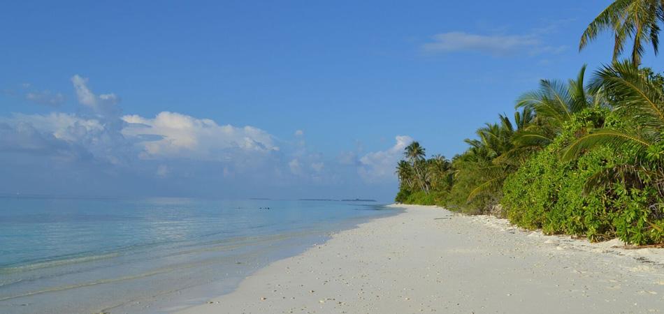 Staytravelling Malediven Dhigurah Strandurlaub
