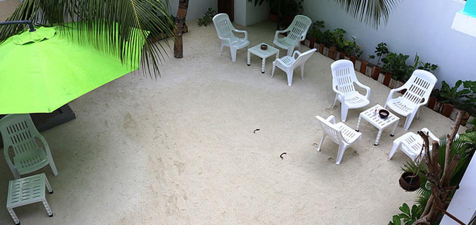 Staytravelling Rasdhoo Guesthouse Garten