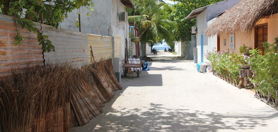 Staytravelling Rasdhoo Island