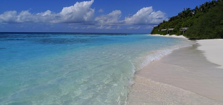 Staytravelling Malediven Bikini Beach Thinadhoo