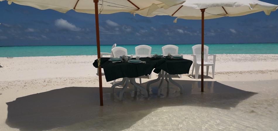 Staytravelling Malediven Thinadhoo Schnorchelreise
