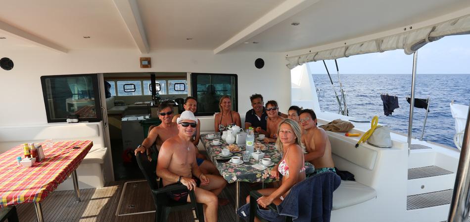Staytravelling Malediven Katamaran Schnorchelsafari