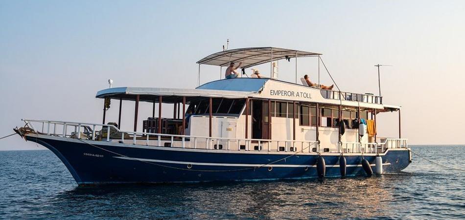 Staytravelling Malediven Tauchsafari Emperor Atoll